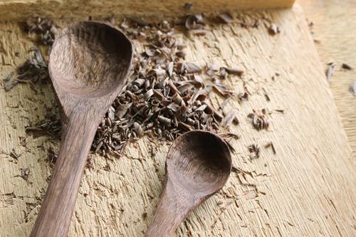 木のスプーン作り体験