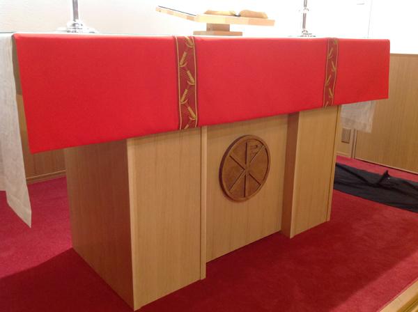 教会の聖壇。