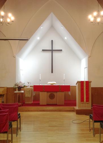 教会の聖壇などを作りました。