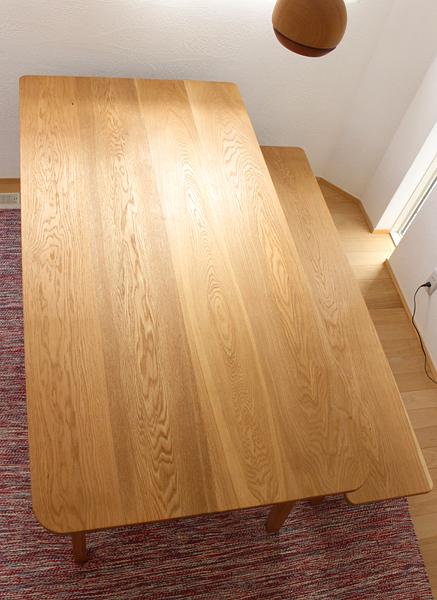 楢の木のダイニングテーブルとベンチ。180センチ